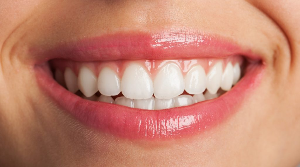INVISALIGN IS THE CLEAR CHOICE FOR STRAIGHTENING YOUR TEETH-min