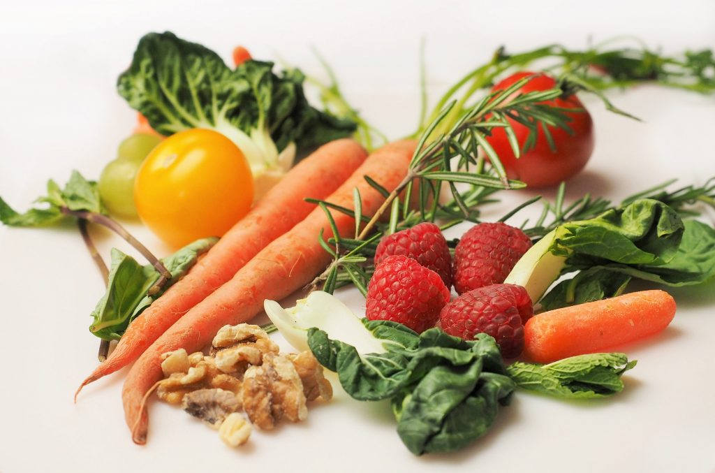 A BETTER DIET FOR HEALTHIER TEETH AND GUMS-min
