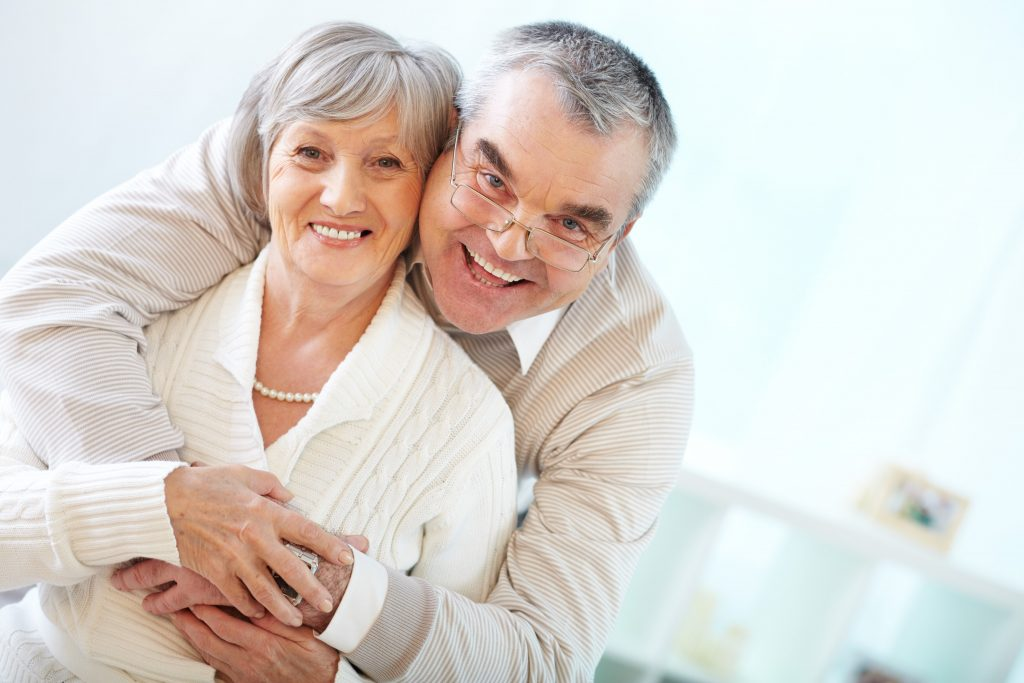 AGEING BEAUTIFULLY WITH A LITTLE HELP FROM COSMETIC DENTISTRY-min
