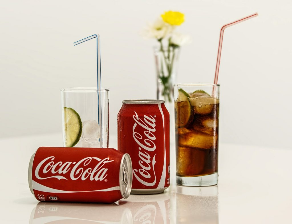 THE THREAT TO DENTAL HEALTH BROUGHT ABOUT BY ACIDIC DRINKS-min
