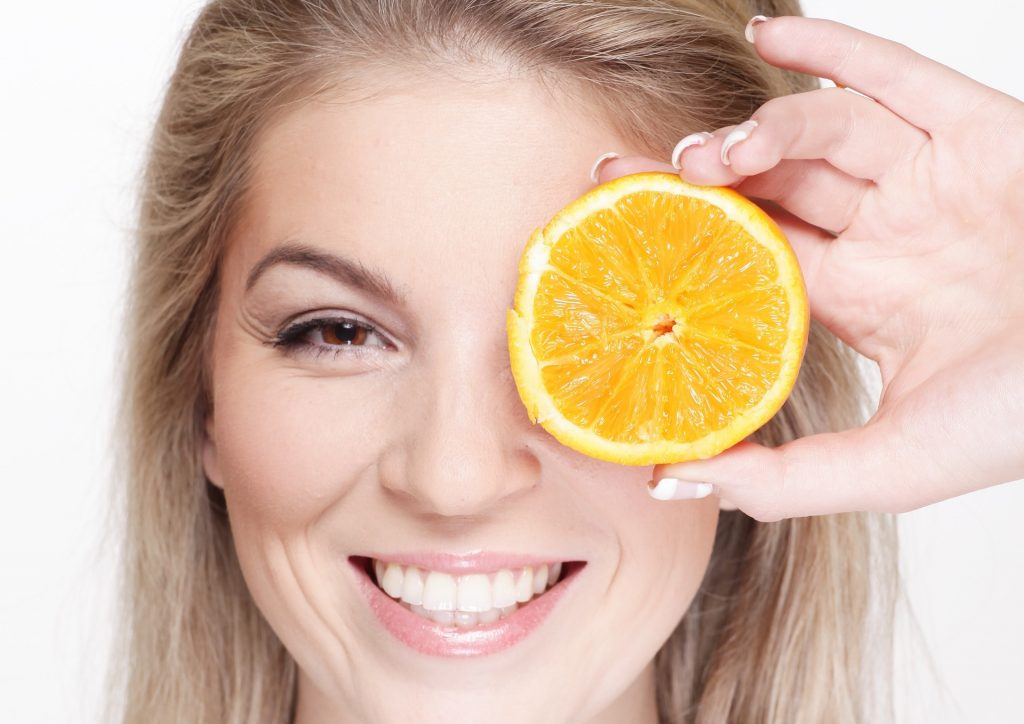 How Vitamin C promotes healthy gums-min